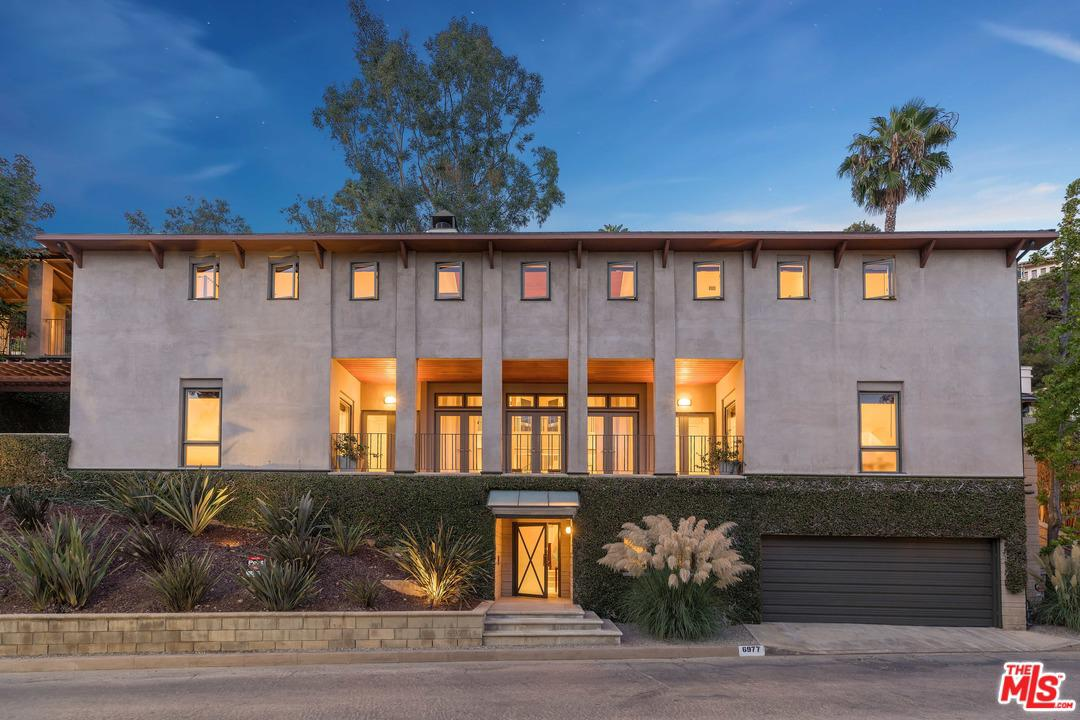 6977 LOS TILOS, Los Angeles (City), CA 90068