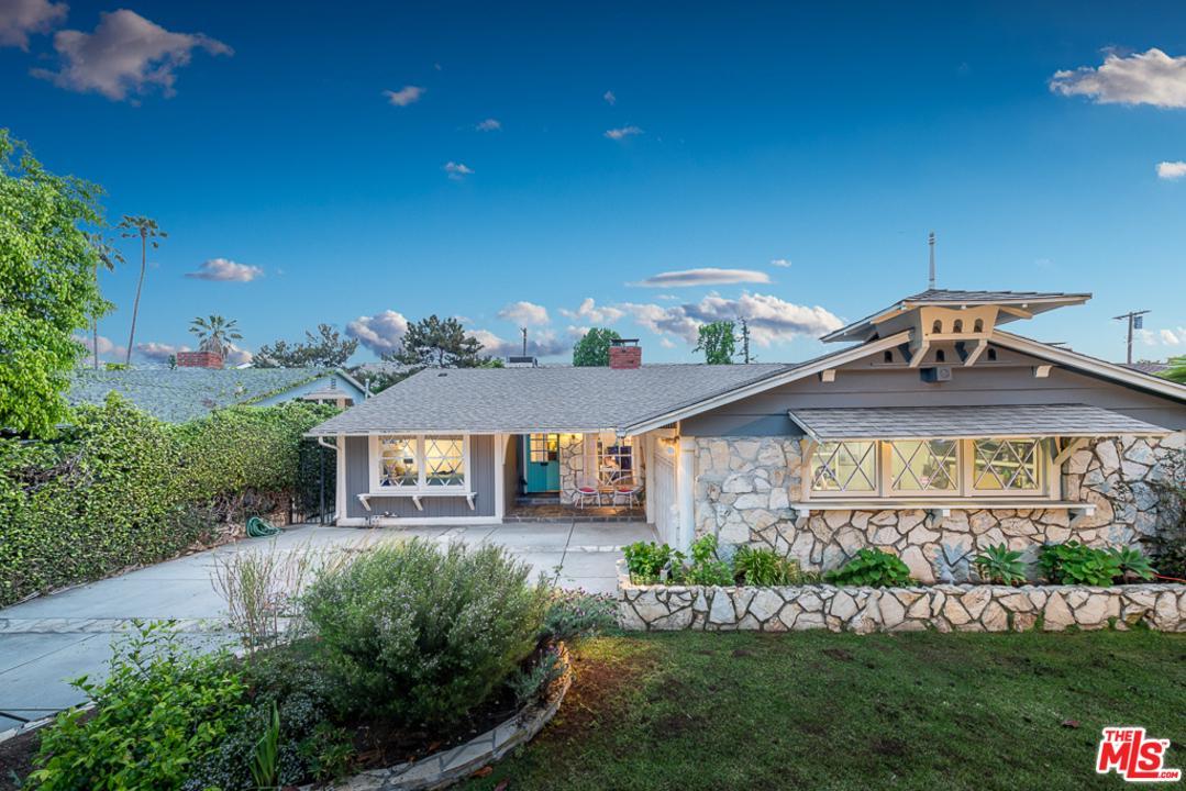 13020 MAGNOLIA, Sherman Oaks, CA 91423