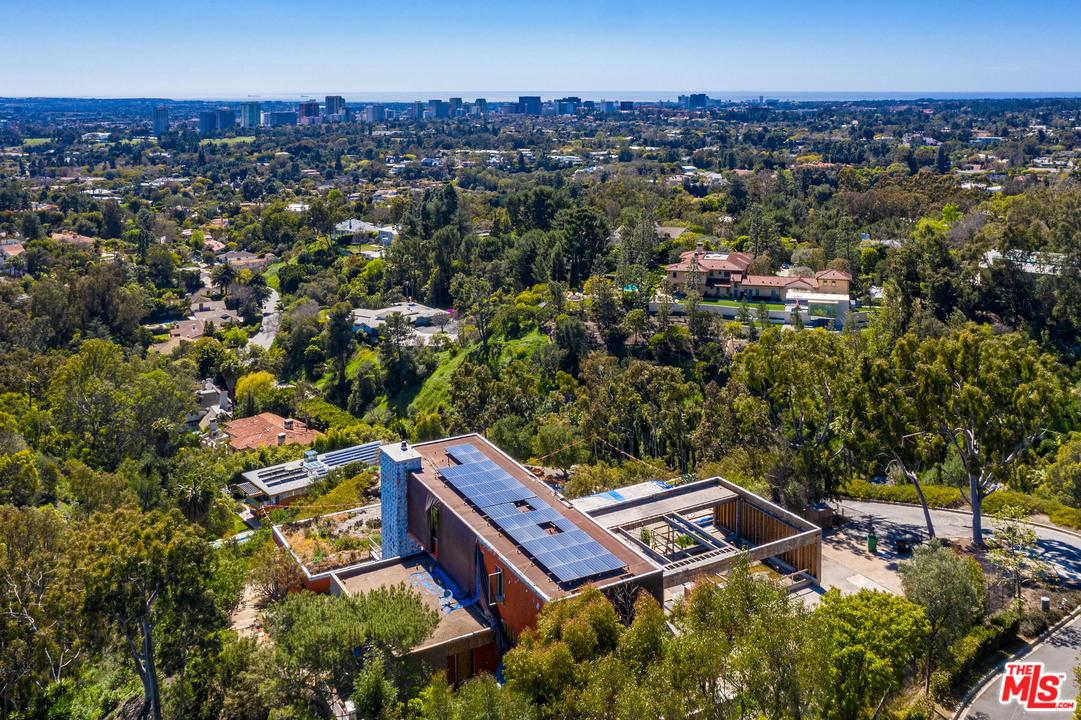 1360 SUMMITRIDGE PLACE, Beverly Hills, CA 90210