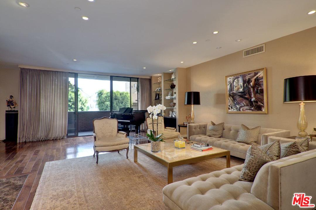 135 MCCARTY, Beverly Hills, CA 90212