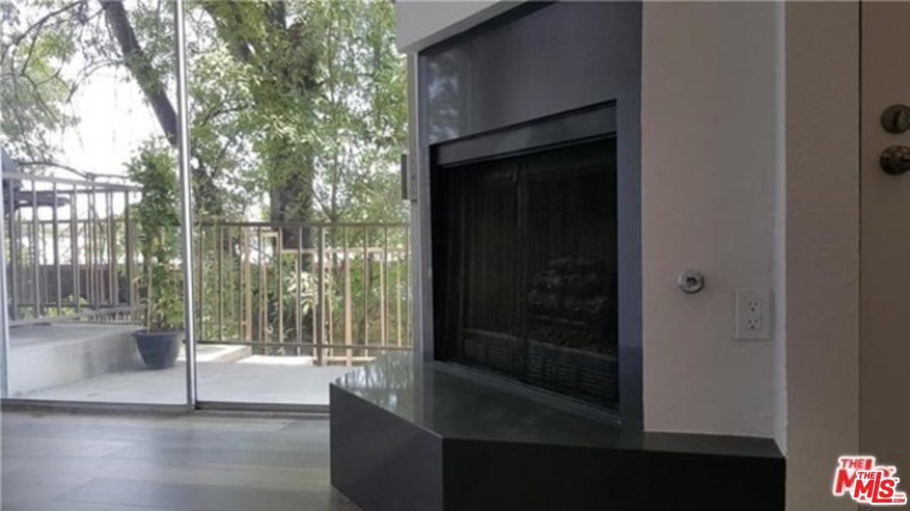 23015 DEL VALLE, Woodland Hills, CA 91364