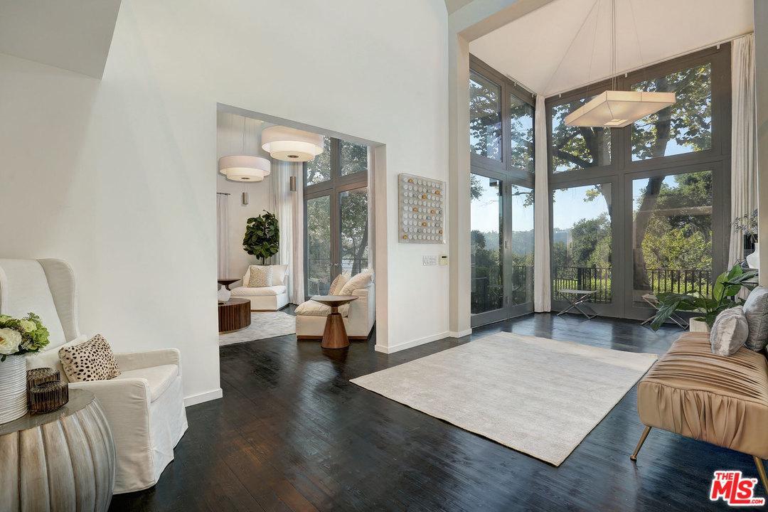 9653 OAK PASS, Beverly Hills, CA 90210