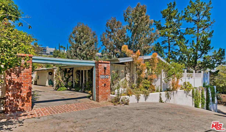 Photo of 8835 SKYLINE DR, Los Angeles, CA 90046