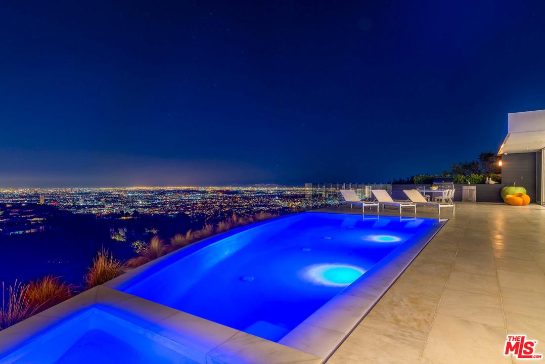 Photo of 1620 CARLA RIDGE, Beverly Hills, CA 90210