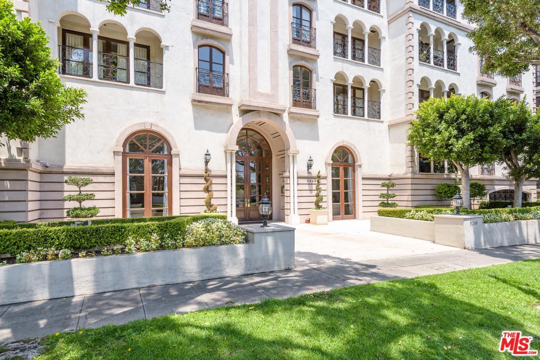 Photo of 9249 BURTON WAY, Beverly Hills, CA 90210