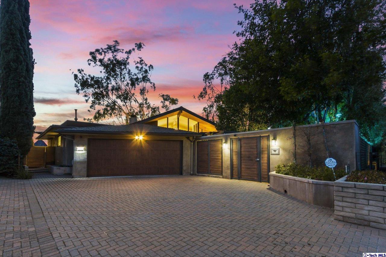 Glendale                                                                      , CA - $2,248,888