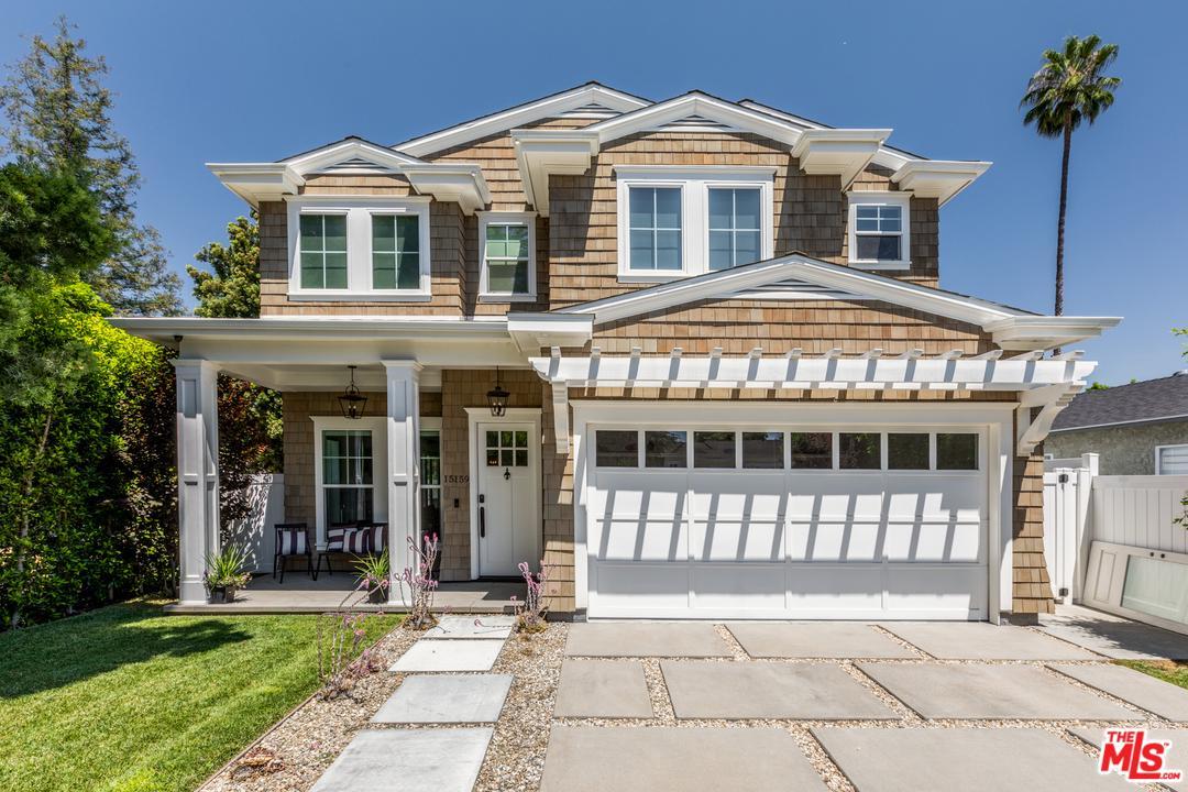 Photo of 15159 CAMARILLO ST, Sherman Oaks, CA 91403