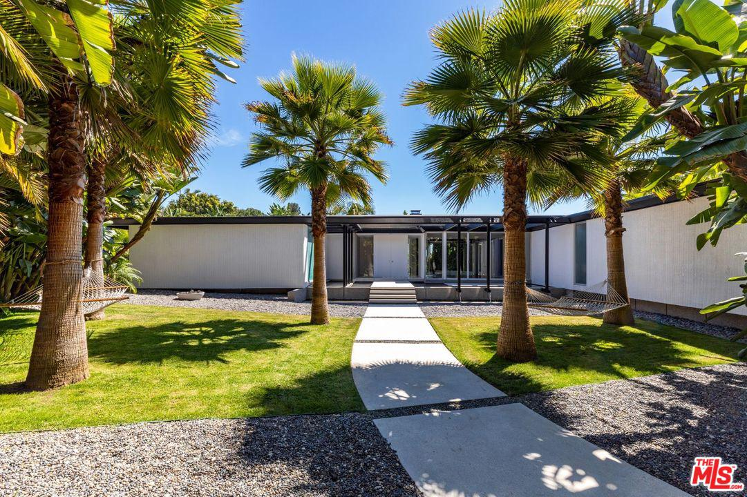 Photo of 1120 MAYTOR PL, Beverly Hills, CA 90210