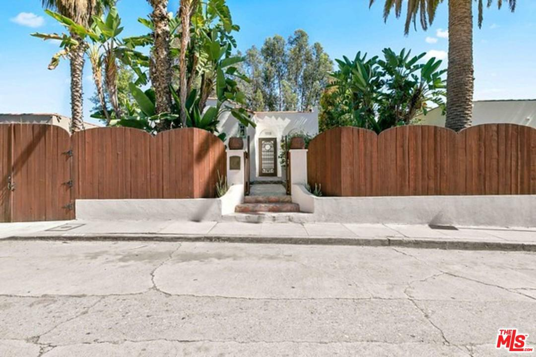 Photo of 2030 HOLLY HILL TER, Los Angeles, CA 90068