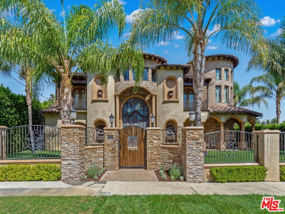 Photo of 17101 ALBERS ST, Encino, CA 91316
