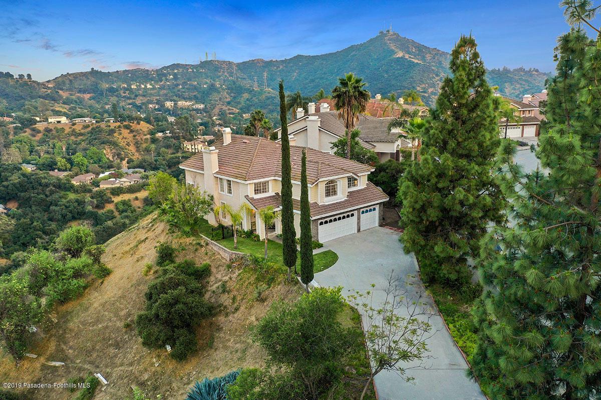 Glendale                                                                      , CA - $1,698,000