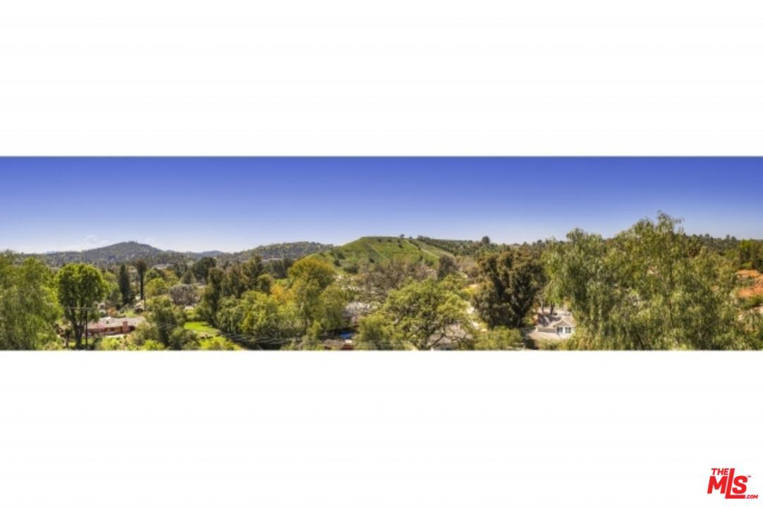 5011 BODA, Woodland Hills, CA 91367