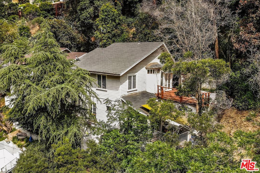 Photo of 8152 KIRKWOOD DR, Los Angeles, CA 90046