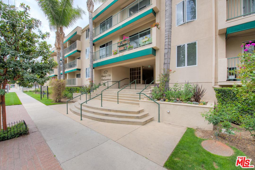 Photo of 4501 CEDROS AVE, Sherman Oaks, CA 91403