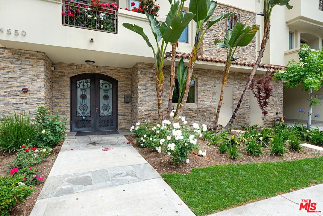 Photo of 4550 COLDWATER CANYON AVE, Studio City, CA 91604