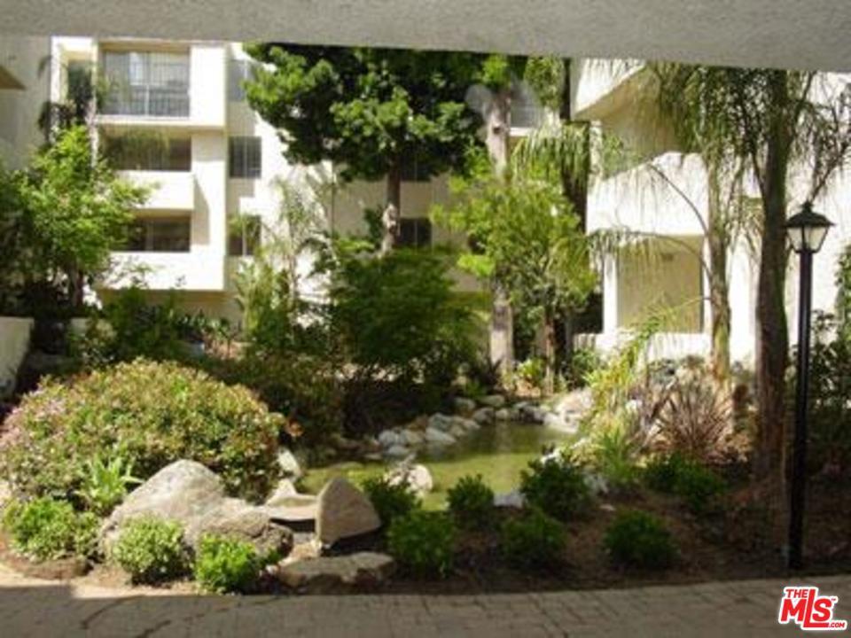 Photo of 5325 NEWCASTLE AVE, Encino, CA 91316