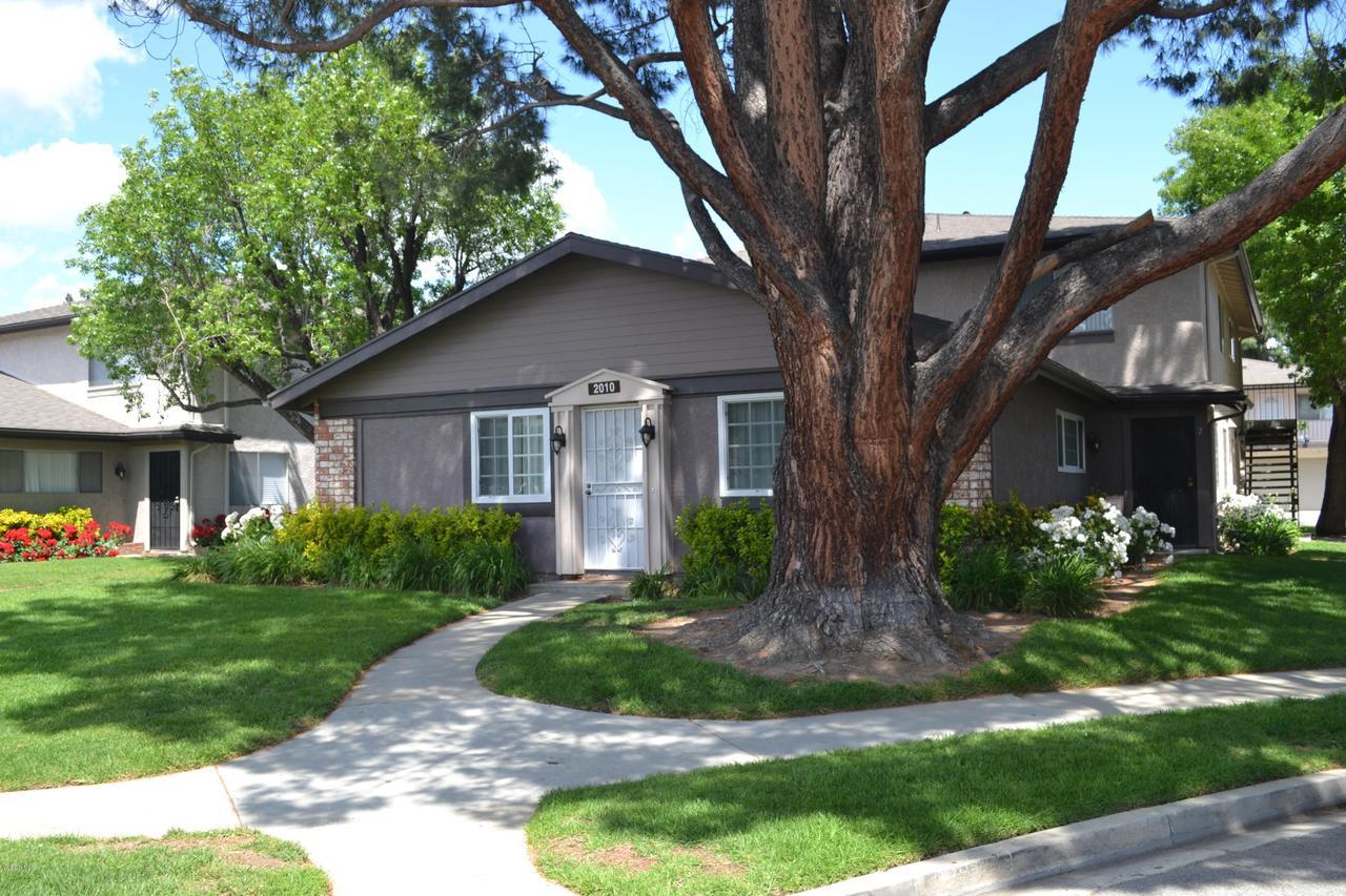 Photo of 2010 CALLE LA SOMBRA #4, Simi Valley, CA 93063