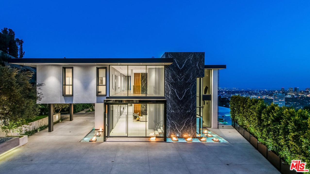 Photo of 1677 N DOHENY DR, Los Angeles, CA 90069