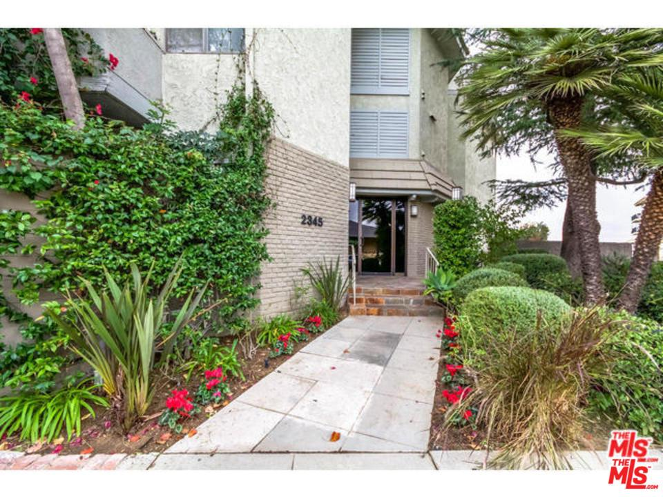 Photo of 2345 ROSCOMARE RD, Los Angeles, CA 90077