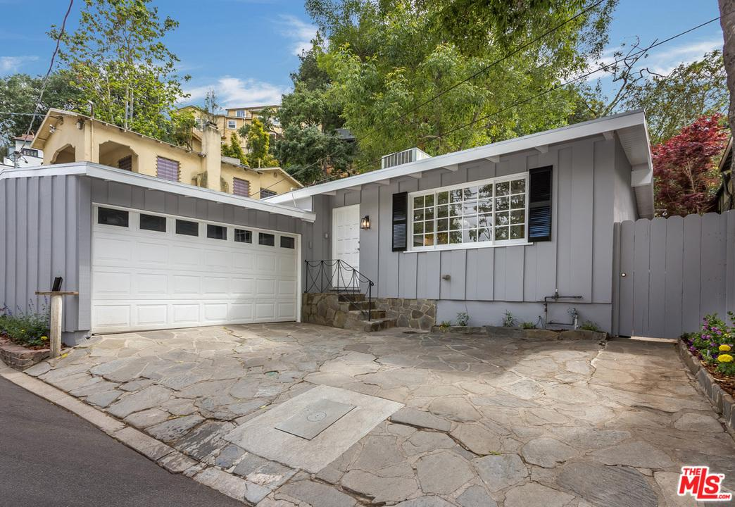 Photo of 8821 LOOKOUT MOUNTAIN AVE, Los Angeles, CA 90046