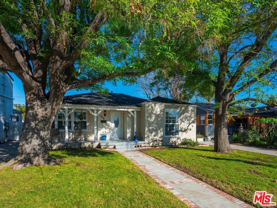 Photo of 644 N KENWOOD ST, Burbank, CA 91505