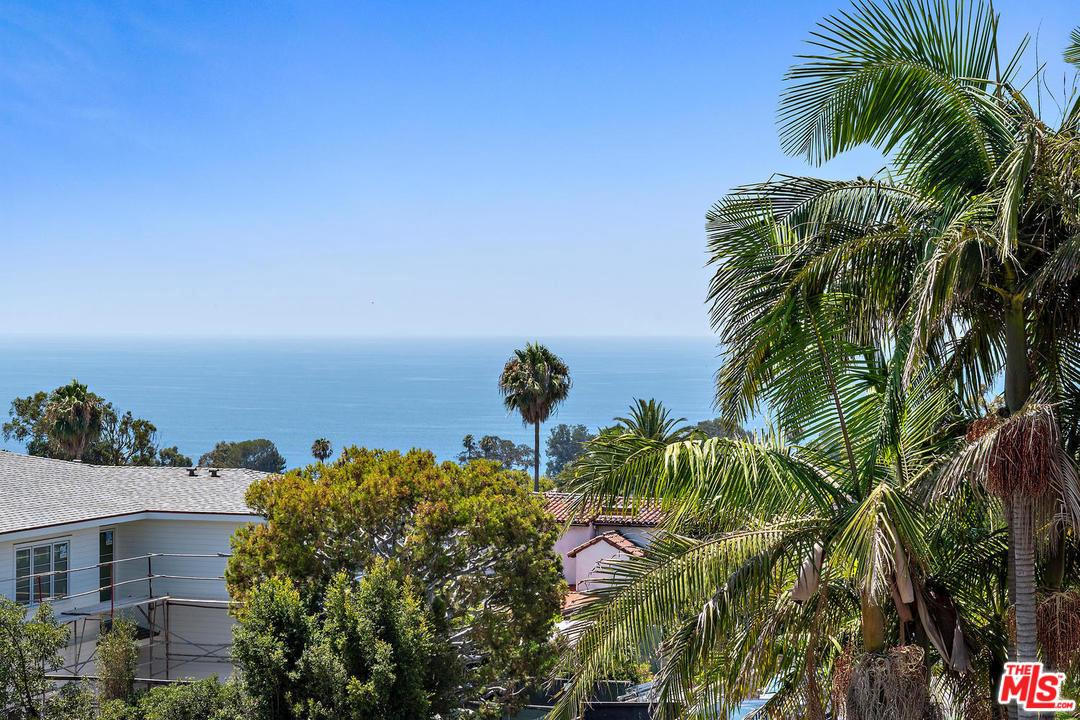 Photo of 701 LACHMAN LN, Pacific Palisades, CA 90272