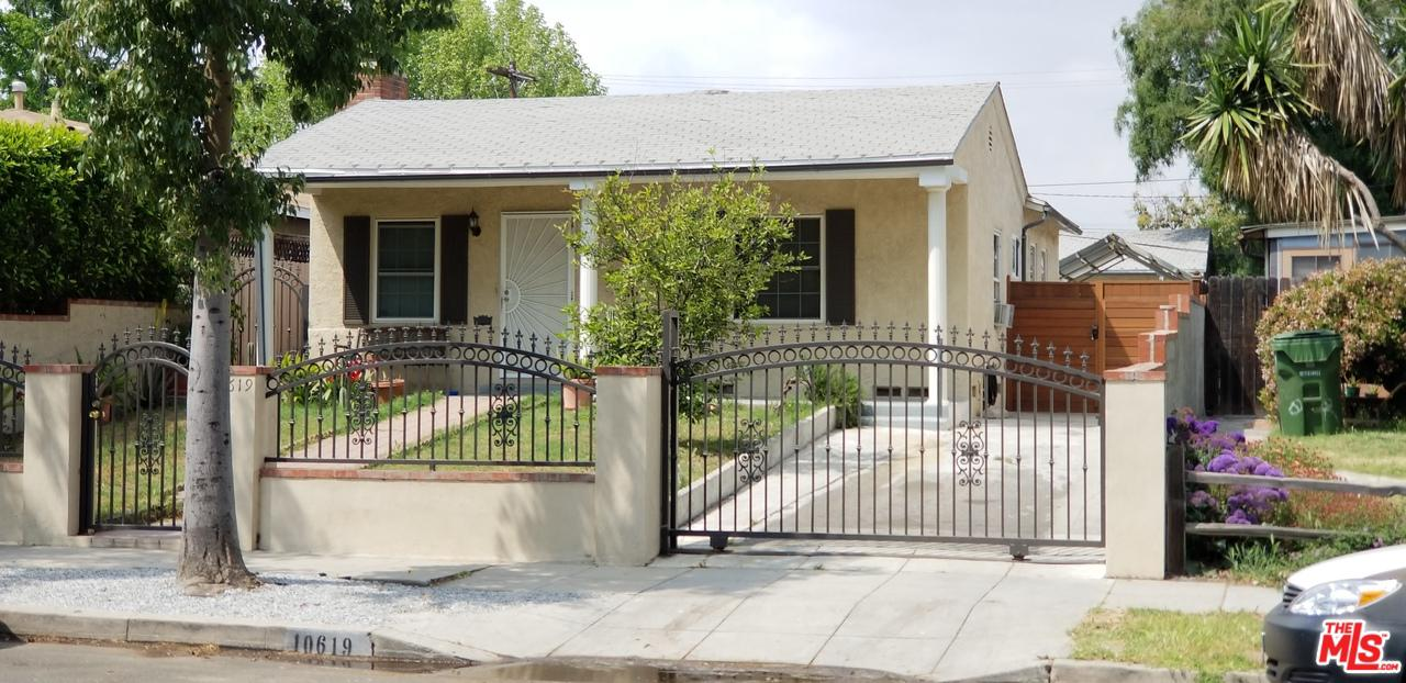 Photo of 10619 OTSEGO ST, North Hollywood, CA 91601