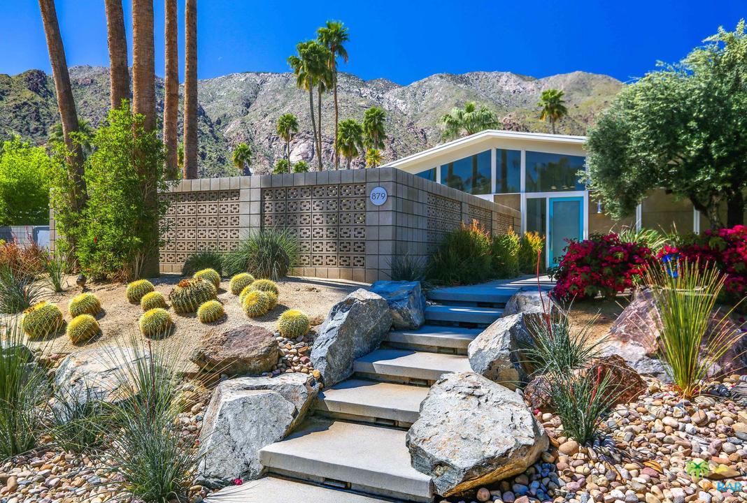 Photo of 879 N VIA MONTE VISTA VIS, Palm Springs, CA 92262