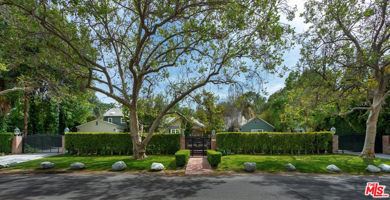 Photo of 13280 VALLEY VISTA BLVD, Sherman Oaks, CA 91423