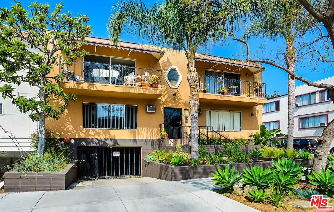 Photo of 951 N GARDNER ST, West Hollywood, CA 90046