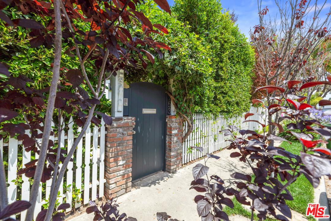 Photo of 753 PALMS, Venice, CA 90291