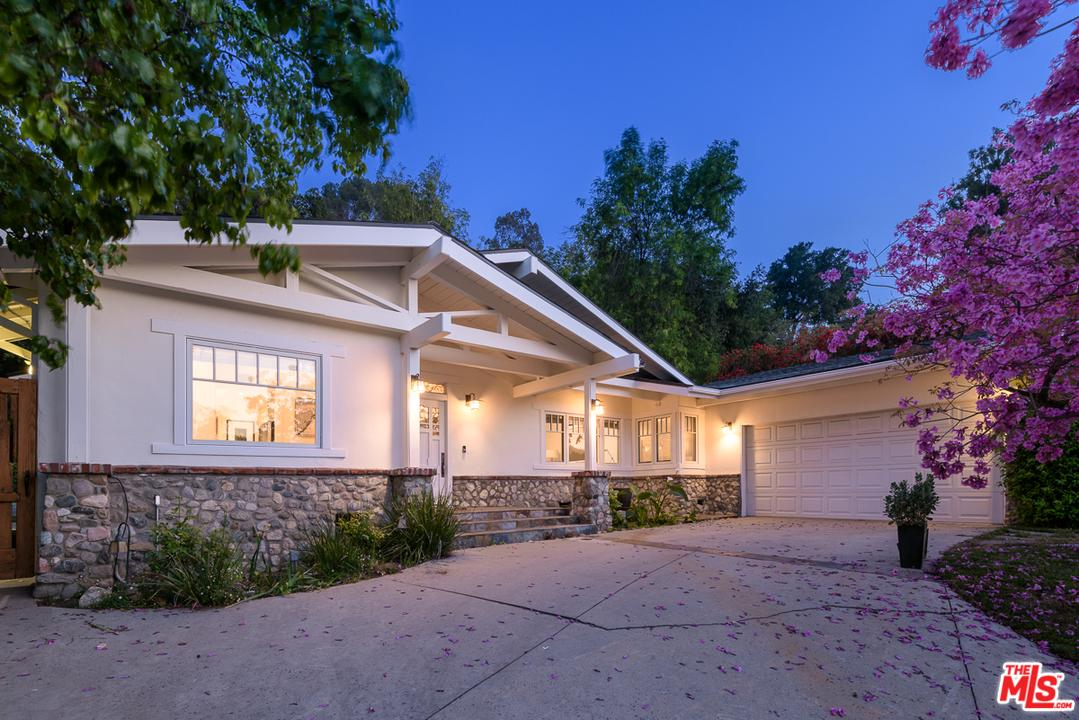 Photo of 3325 ALANA DR, Sherman Oaks, CA 91403