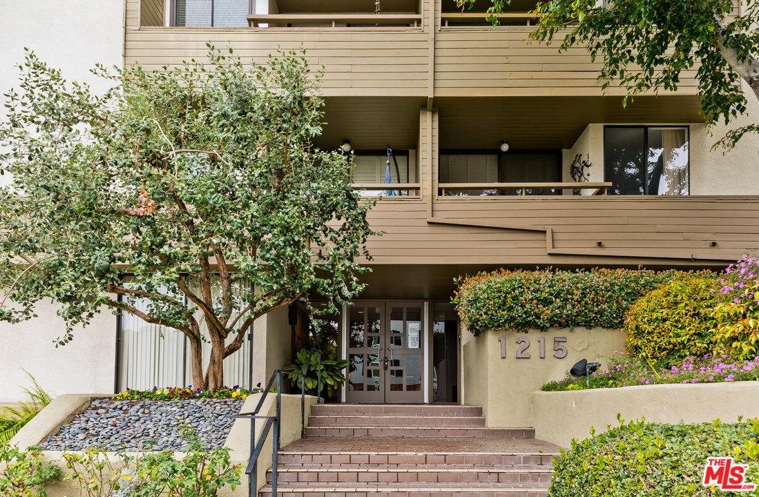 Photo of 1215 N OLIVE ST, West Hollywood, CA 90069