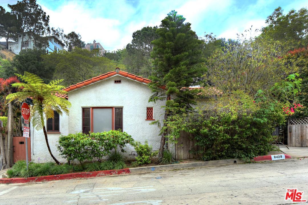 Photo of 8428 KIRKWOOD DR, Los Angeles, CA 90046