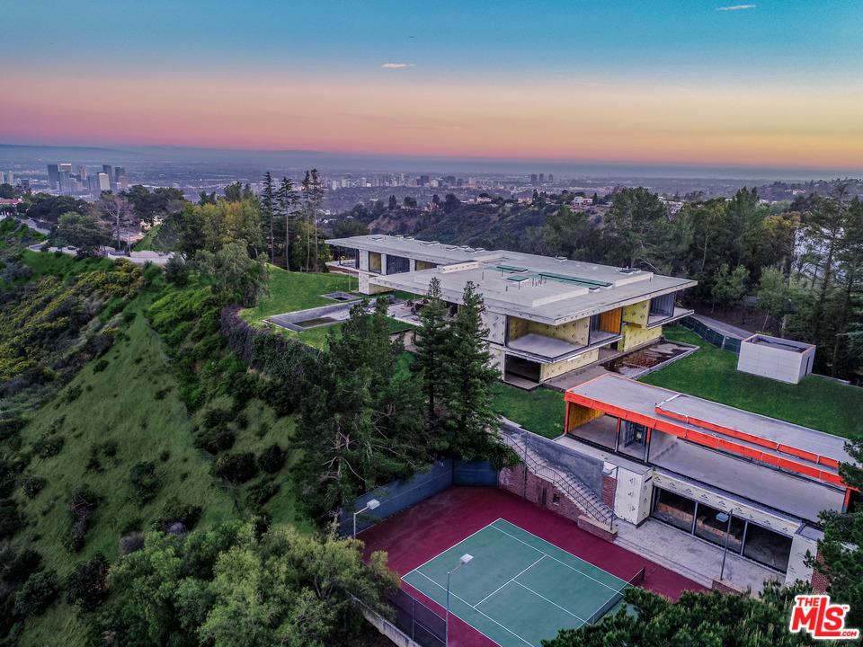 Photo of 16 BEVERLY PARK, Beverly Hills, CA 90210