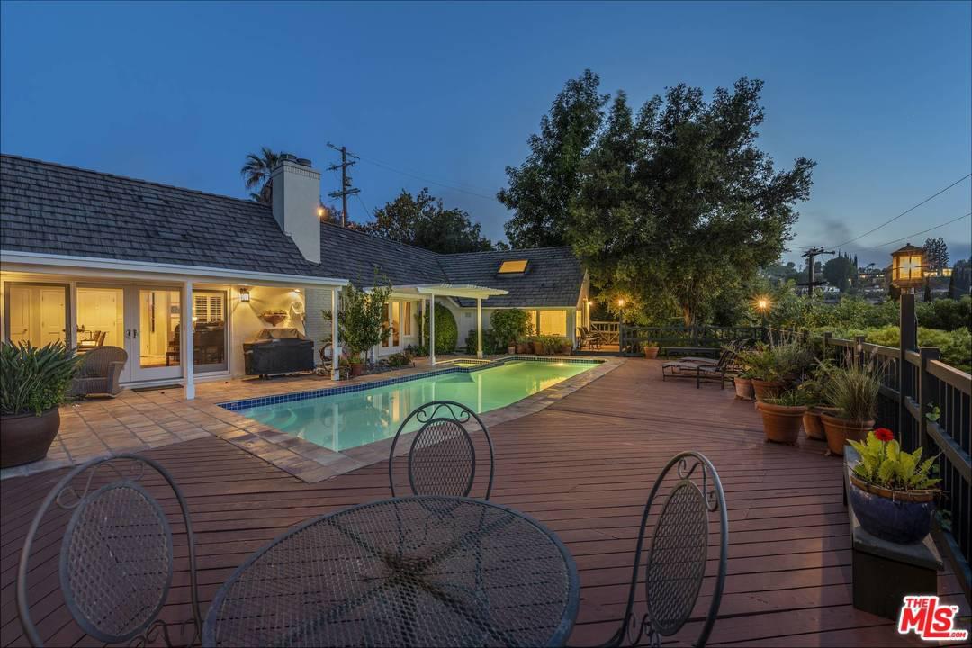 Photo of 13195 CHELTENHAM DR, Sherman Oaks, CA 91423