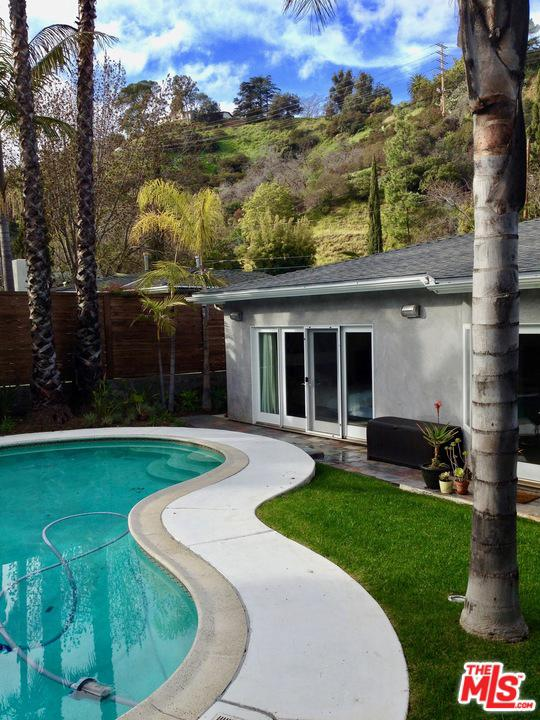 Photo of 8142 AMOR RD, Los Angeles, CA 90046