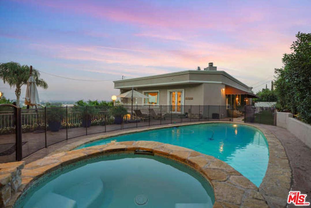 Photo of 14508 VALLEY VISTA, Sherman Oaks, CA 91403