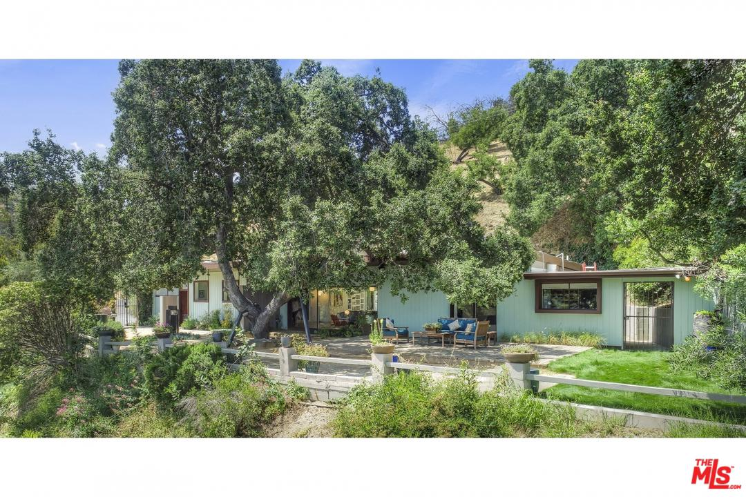 Photo of 14840 ROUND VALLEY DR, Sherman Oaks, CA 91403