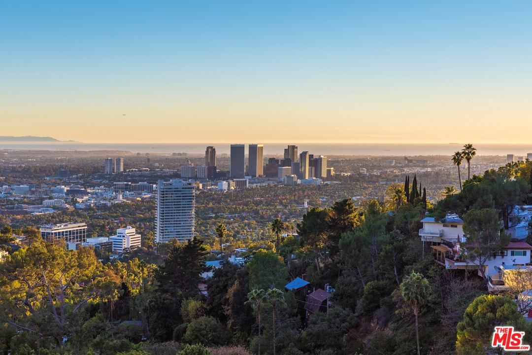 9210 ROBIN Drive - Sunset Strip / Hollywood Hills West, California