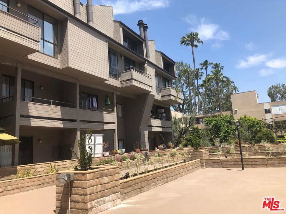 Photo of 13331 MOORPARK ST, Sherman Oaks, CA 91423