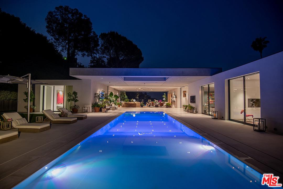 Photo of 1012 N HILLCREST RD, Beverly Hills, CA 90210
