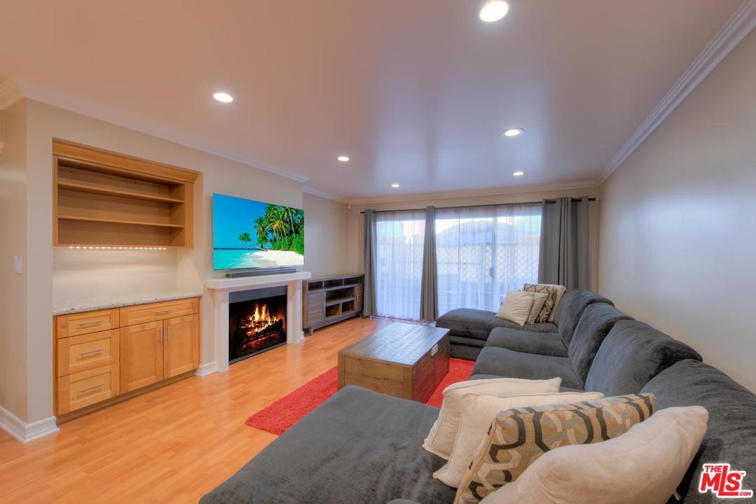 Photo of 5115 KESTER AVE, Sherman Oaks, CA 91403