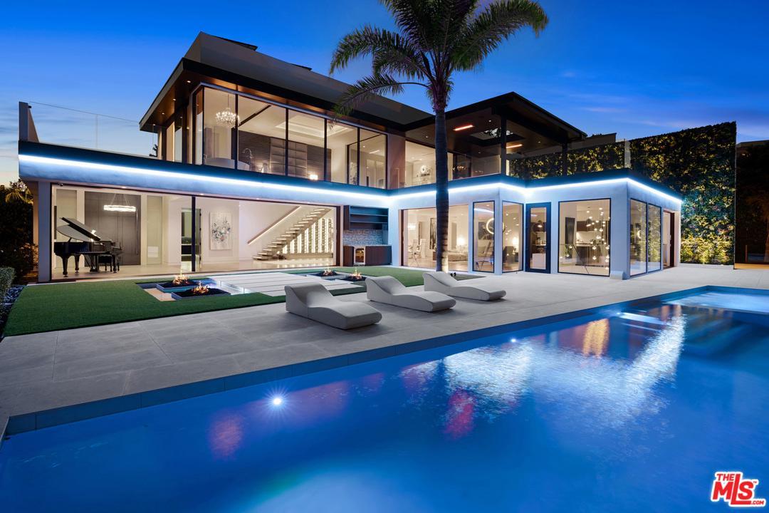 Photo of 1420 LAUREL WAY, Beverly Hills, CA 90210