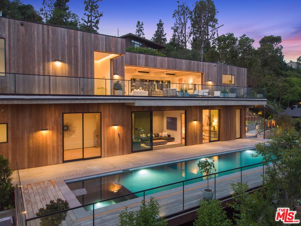 Photo of 3667 DIXIE CANYON AVE, Sherman Oaks, CA 91423