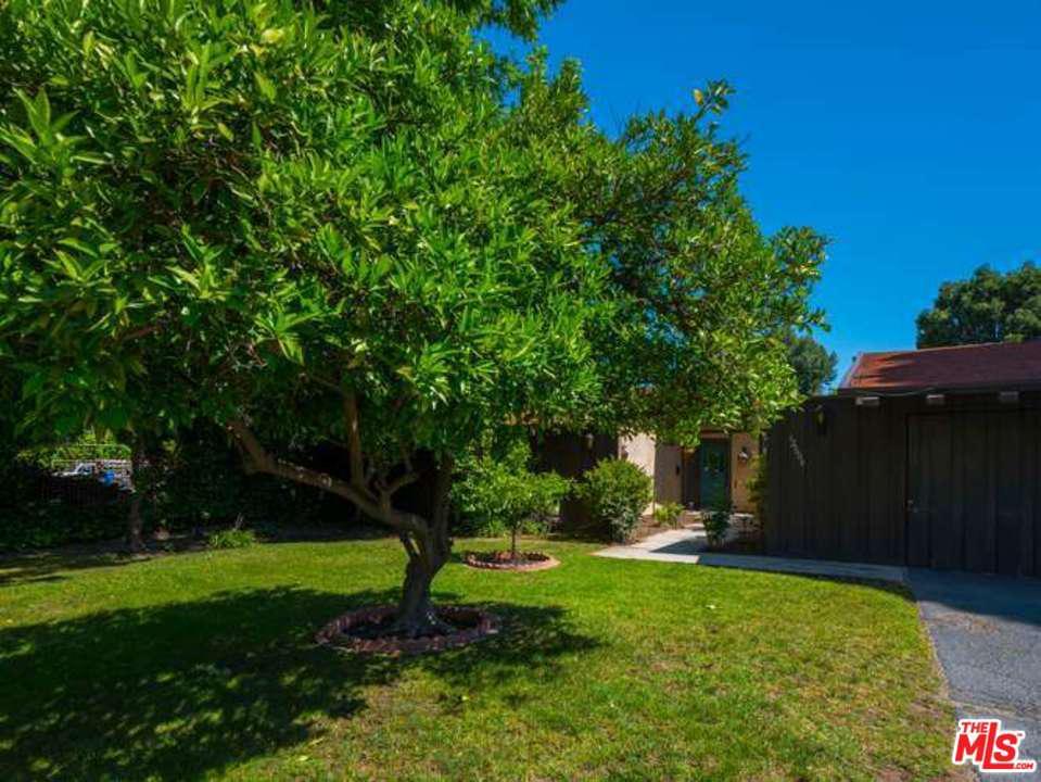 Photo of 12604 OTSEGO ST, Valley Village, CA 91607