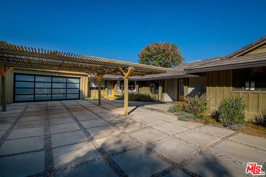 Photo of 3540 WILLOWCREST AVE, Studio City, CA 91604