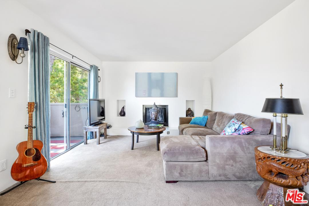 Photo of 6700 HILLPARK DR, Los Angeles, CA 90068