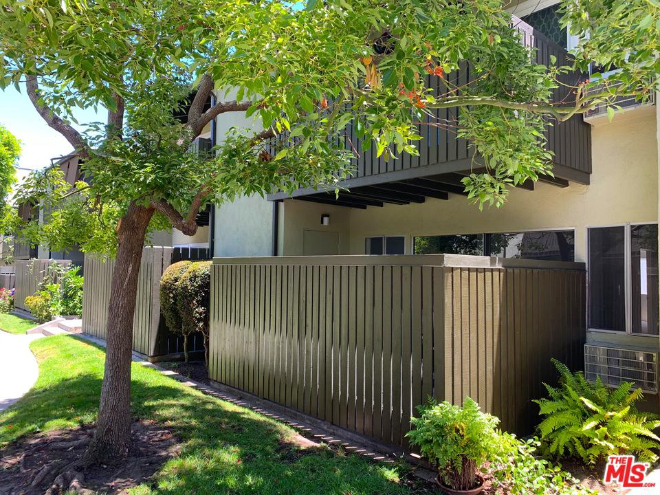 Photo of 4923 INDIAN WOOD RD, Culver City, CA 90230