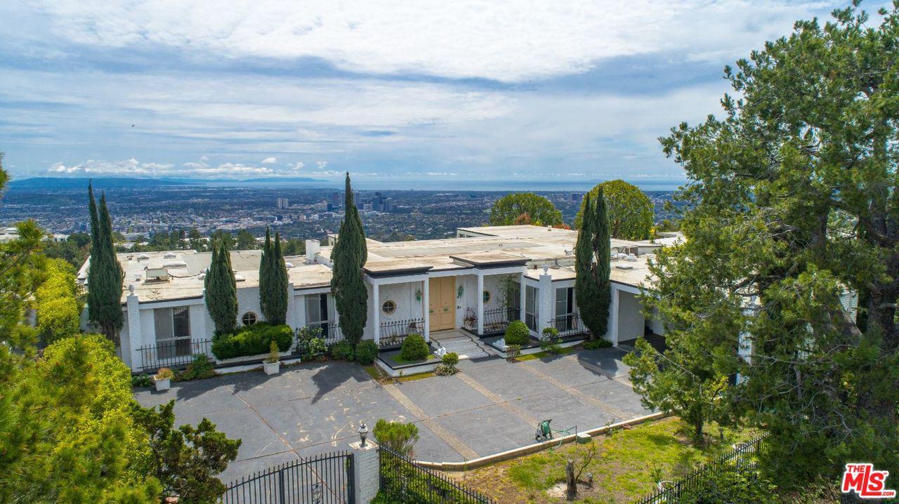 Photo of 1860 CARLA RDG, Beverly Hills, CA 90210